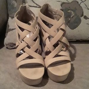 Brash Tan Wedges 9